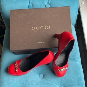 Brand new leather Gucci pumps